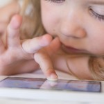 baby-with-smartphone-01-1024×576